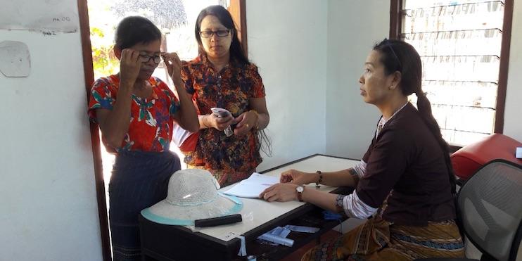 Óptica Iruña, solidaria con el proyecto Enfants de Birmanie